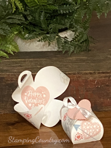 Heartfelt Mini Curvy Keepsakes Box